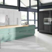High Gloss Kitchen, Large Handles, Feature Island.
