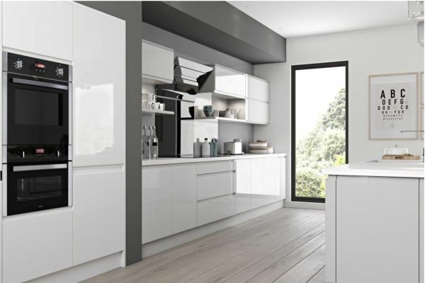 High Gloss White Kitchen, Bulkhead and Island.